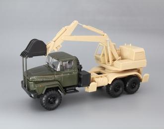 КрАЗ-6322 ЭО-4421А Экскаватор, зеленый / бежевый