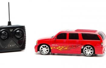 GMC Yukon XL Denali на радиоуправлении, red