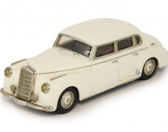 """MERCEDES-BENZ 300 Limousine W186 """"Adenauer"""" (1951-1954), white"""