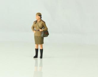 Медсестра военная (брюнетка)