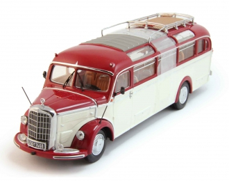 MERCEDES-BENZ O3500 Bus, red / cream