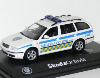 SKODA Octavia Combi Tour 2002 Mestska policie Brno, white