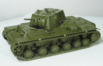 Сборная модель Советский тяжелый танк КВ-1