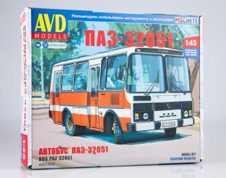 Сборная модель Павтовский автобус-32051 городской