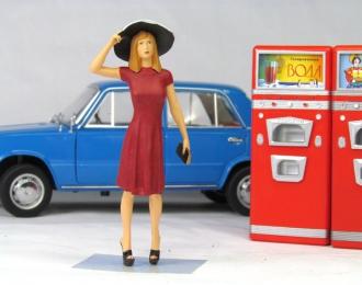 Девушка в шляпке (арт.№21) в красном платье
