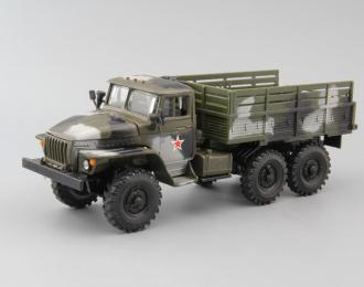 Уральский грузовик 4320, камуфляж