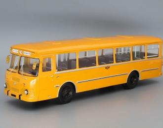 """Ликинский автобус 677М (1980) маршрут №89 """"пл. Ногина - Герасима Курина"""", оранжевый / белый"""