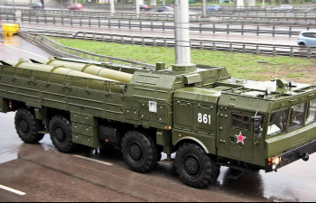 Сборная модель ТЗМ комплекса Искандер-М (на базе МАЗ-7930)