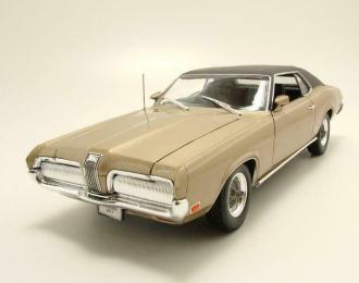 Mercury Cougar XR7 1970 золотистый