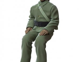 Фигура Пожарный №3, окрашенная