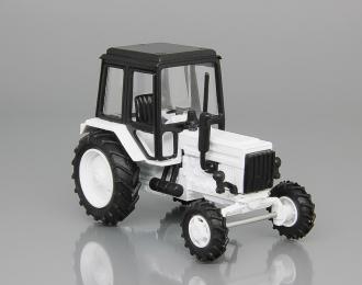 Трактор МТЗ-82, белый / черный