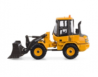 VOLVO L30G, yellow