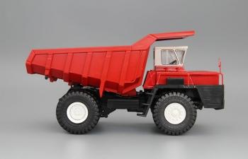 БелАЗ-540 самосвал, красный / белый