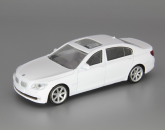 BMW 750Li, white