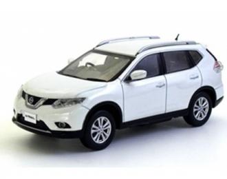 Nissan X-Trail (T32), white pearl