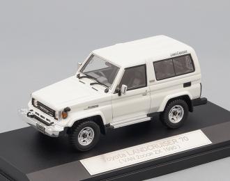 TOYOTA LAND CRUISER 70 Van 2door ZX (1990), white