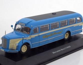 "MERCEDES-BENZ O6600 ""Wanderfreund"" с фигуркой водителя (1955), blue / crème"