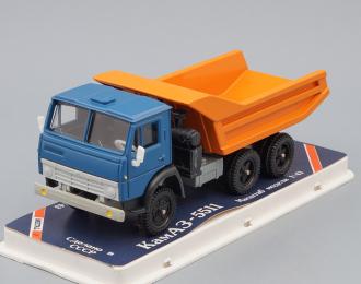 Камский грузовик 5511 самосвал (продольные ребра), голубой / оранжевый