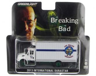 """INTERNATIONAL Durastar Box Van """"Los Pollos Hermanos"""" (из телесериала """"Во все тяжкие"""") (2013), белый (зеленые колеса!)"""