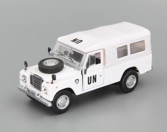 LAND ROVER Defender UN (откр.двери), white