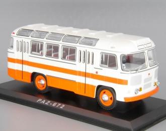Павловский автобус 672, бело-оранжевый