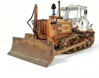 Трактор Т-150Д со следами эксплуатации