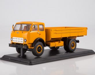 МАЗ-500А бортовой, оранжевый