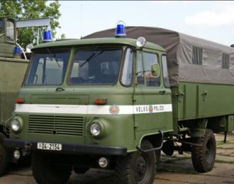 Сборная модель Robur LO 2002 VolksPolizei
