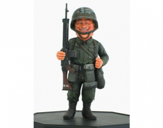 Сборная модель Солдат  JGSDF Infantry Man & Type64 Rifle