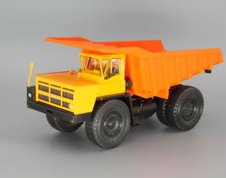 БелАЗ-7523 карьерный самосвал, желтый / оранжевый