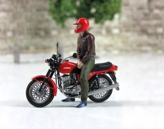 Водитель Максим (для Ява-350) красный шлем