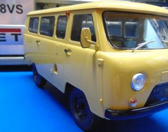 Радиоуправляемая модель УАЗ-452В микроавтобус (1980), бежевый