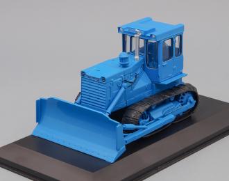 Т-130, Тракторы 136, синий