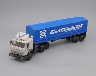 Камский грузовик 54115 (спойлер) с полуприцепом и тентом Совтрансавто, серый/синий