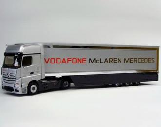 MERCEDES-BENZ Actros MP4 с полуприцепом F1 Vodafone MсLaren Mercedes (2014), silver