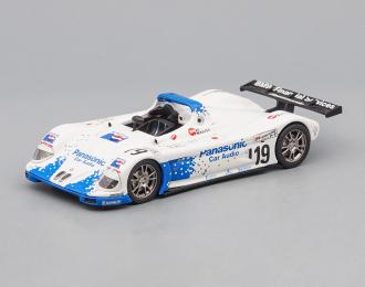 BMW V12 #19 Le Mans (1999), white / blue