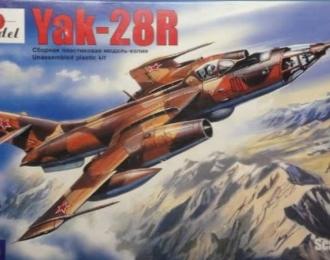 Сборная модель Советский разведывательный самолет Як-28Р