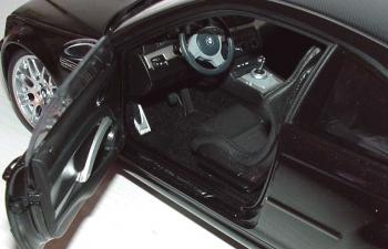 BMW M3 CSL Coupe E46/2S (2000), schwarz met.