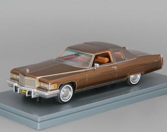 CADILLAC Coupe de Ville, brown metallic