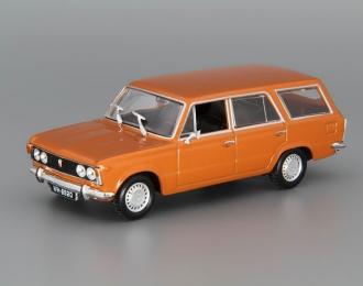 FIAT 125P Kombi Kultowe Auta 28, dark orange