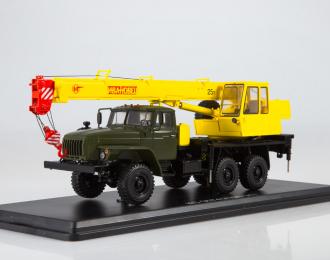 "Автокран КС-3574 (4320-31) ""Ивановец"", хаки / желтый"