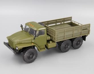 Уральский грузовик 4320 бортовой, Грузовики СССР 7, зеленый