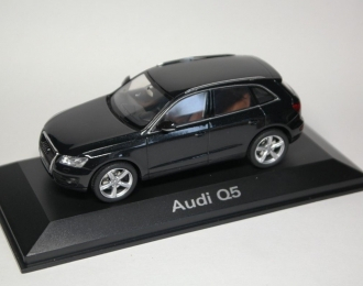 AUDI Q5, phantom black