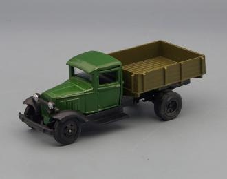 Горький АА бортовой, зеленый / коричневый