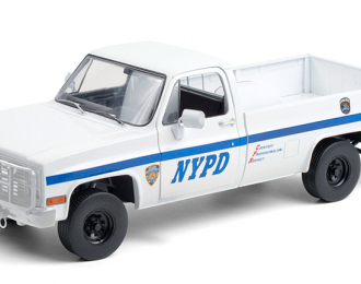 """CHEVROLET CUCV M1008 Pick-Up """"New York City Police Department"""" (NYPD) 1984"""