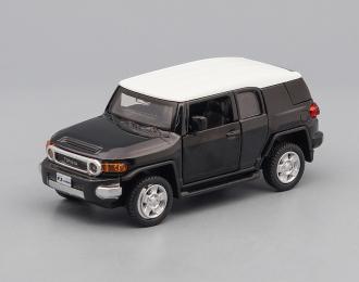 Toyota FJ Cruiser, black