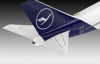 "Сборная модель Самолет Boeing 747-8 Lufthansa ""New Livery"""