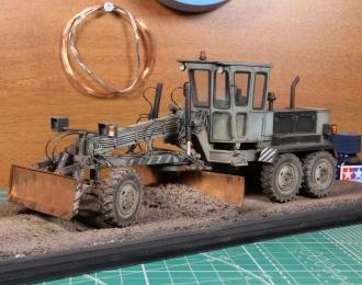 ДЗ-143 автогрейдер (серо-черный пыльный)