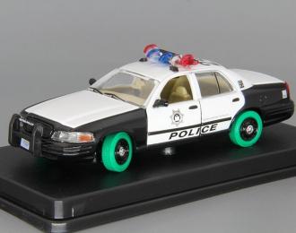 """FORD Crown Victoria Police Interceptor из к/ф """"Мальчишник в Вегасе"""" (2000), white / black (Зеленые колёса!)"""