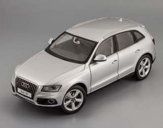 AUDI Q5 Facelift 2013 with sun-roof, ice silver